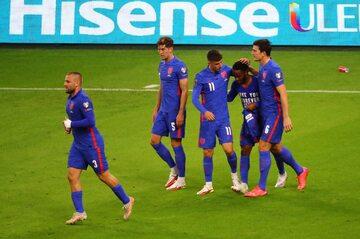 Piłkarze reprezentacji Anglii w meczu z Węgrami