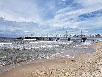 Plaża i molo w Kołobrzegu