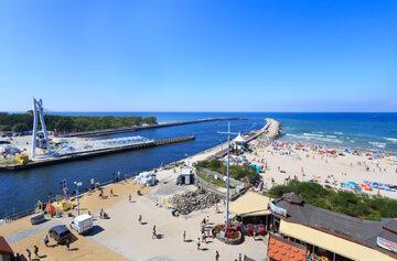 Plaża nad polskim morzem, zdjęcie ilustracyjne