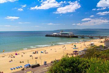 Plaża w Bournemouth, zdjęcie ilustracyjne