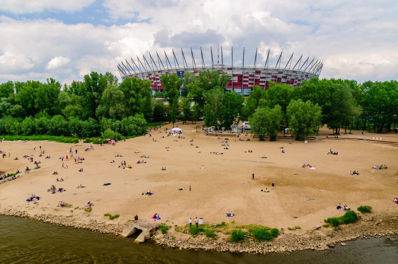 Plaża w pobliżu Stadionu Narodowego w Warszawie