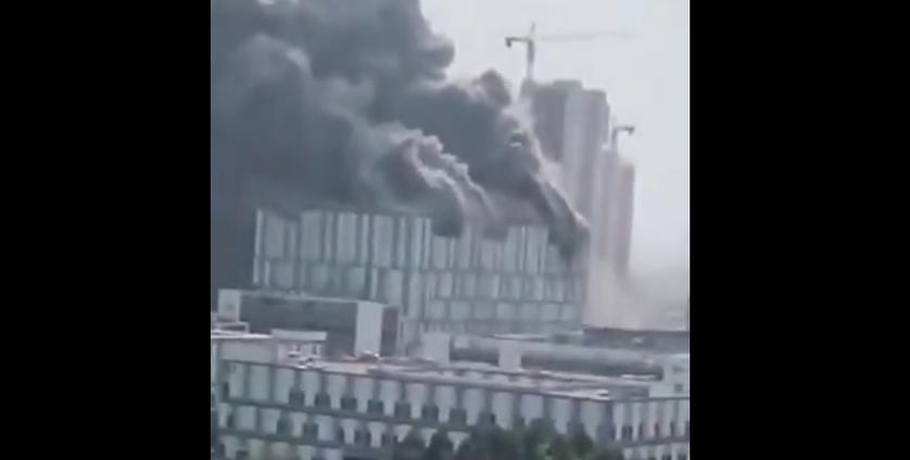 Płonąca fabryka Huawei
