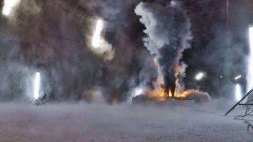 Płonący w tunelu samochód elektryczny