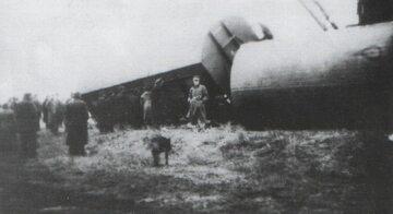 Pociąg wykolejony przez oddziały Kedywu