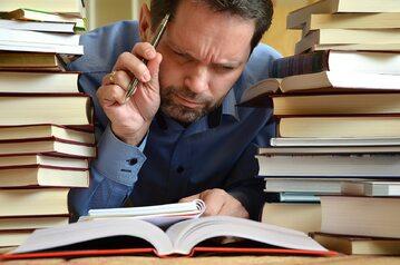 Podręczniki (zdj. ilustracyjne)