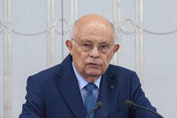 Podwyżki dla posłów. Marek Borowski zabrał głos