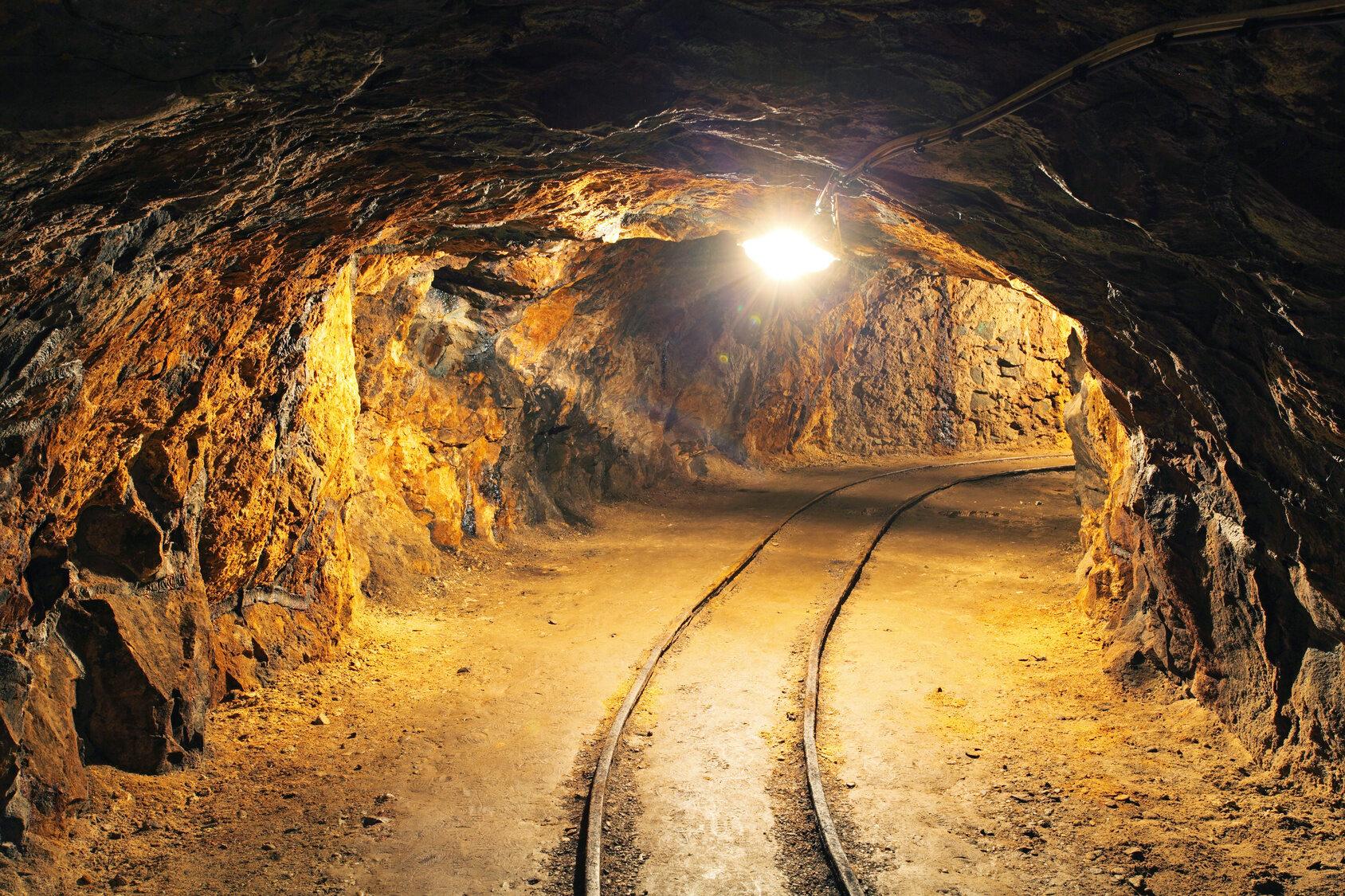 Podziemny tunel, zdjęcie ilustracyjne