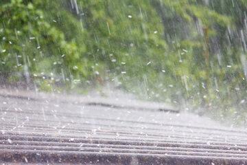 Pogoda. IMGW prognozuje m.in. deszcz z gradem