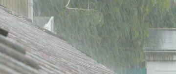 Pogoda. Ulewny deszcz (zdjęcie ilustracyjne)