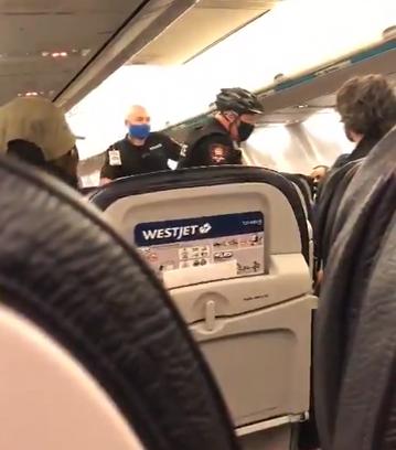 Policja interweniująca na pokładzie samolotu linii WestJet