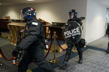 Policja na Kapitolu