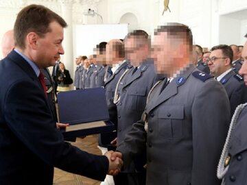 Policjanci nagrodzeni przez szefa MSWiA