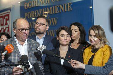 Politycy Lewicy, na pierwszym planie Włodzimierz Czarzasty i Anna Maria Żukowska