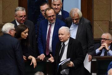 Politycy PiS - w centrum Jarosław Kaczyński