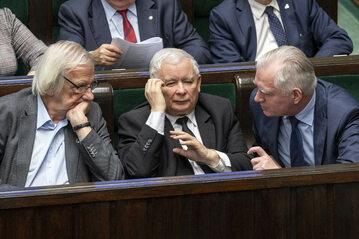 Politycy Zjednoczonej Prawicy: Ryszard Terlecki, Jarosław Kaczyński i Jarosław Gowin