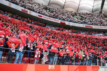 Polscy kibice na stadionie, zdjęcie ilustracyjne