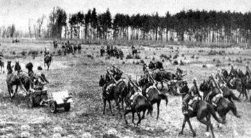 Polska kawaleria podczas bitwy pod Bzurą.