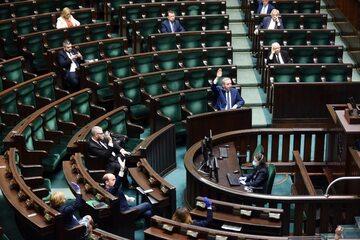 Polski Sejm w czasie pandemii koronawirusa