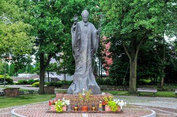 Pomnik Jana Pawła II w Kleszczowie