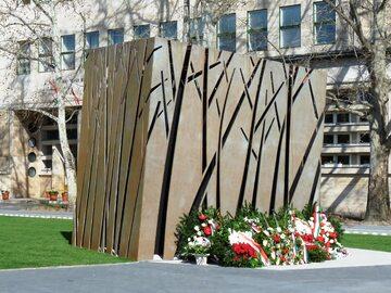 Pomnik katyński w Budapeszcie