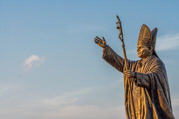 Pomnik papieża Jana Pawła II, zdjęcie ilustracyjne