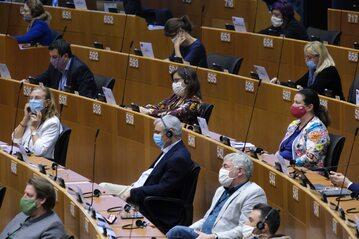 Posiedzenie PE w czasie pandemii, zdjęcie ilustracyjne