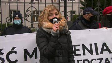 Posłanka Magdalena Biejat na demonstracji w 10. rocznicę Jolanty Brzeskiej
