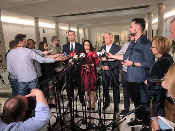 Posłowie opozycji w Sejmie