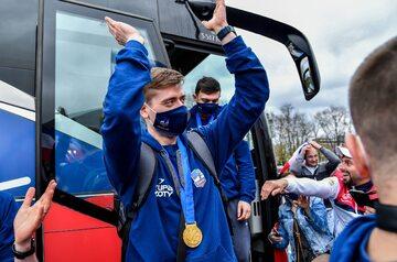 Powitanie siatkarze ZAKSY Kędzierzyn-Koźle przez kibiców