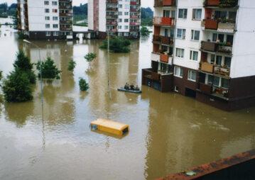 Powódź na wrocławskim osiedlu Kozanów w lipcu 1997 roku