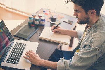 Praca, marketing (zdj. ilustracyjne)