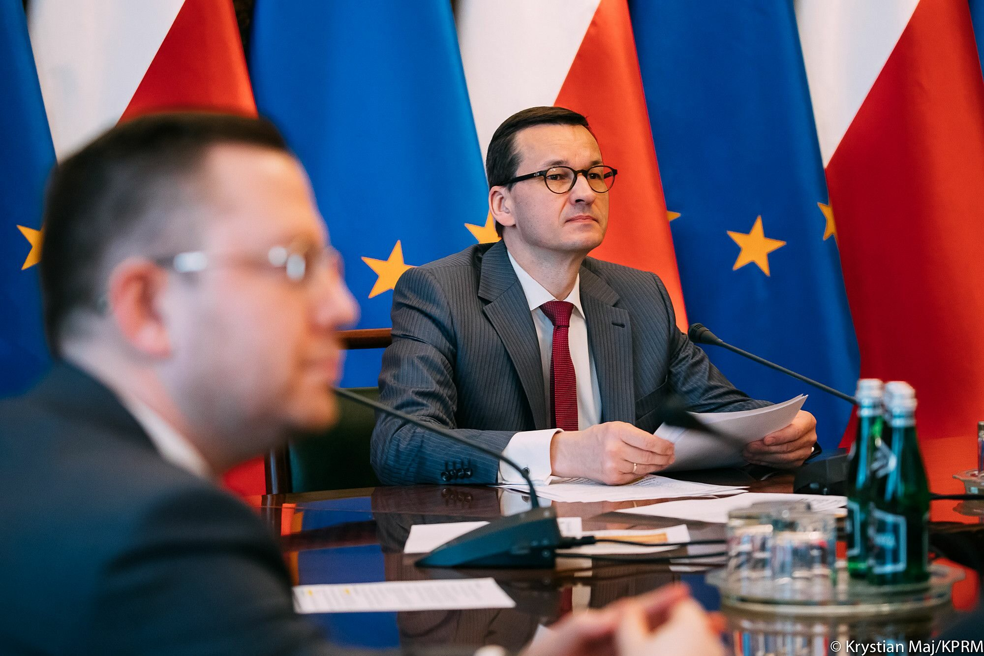 Premier Mateusz Morawiecki w czasie posiedzenia Rządowego Zespołu Zarządzania Kryzysowego
