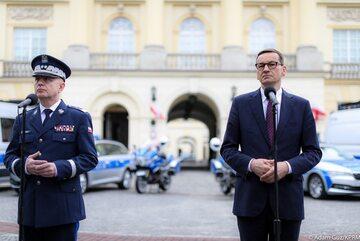 Premier Morawiecki i komendant główny policji
