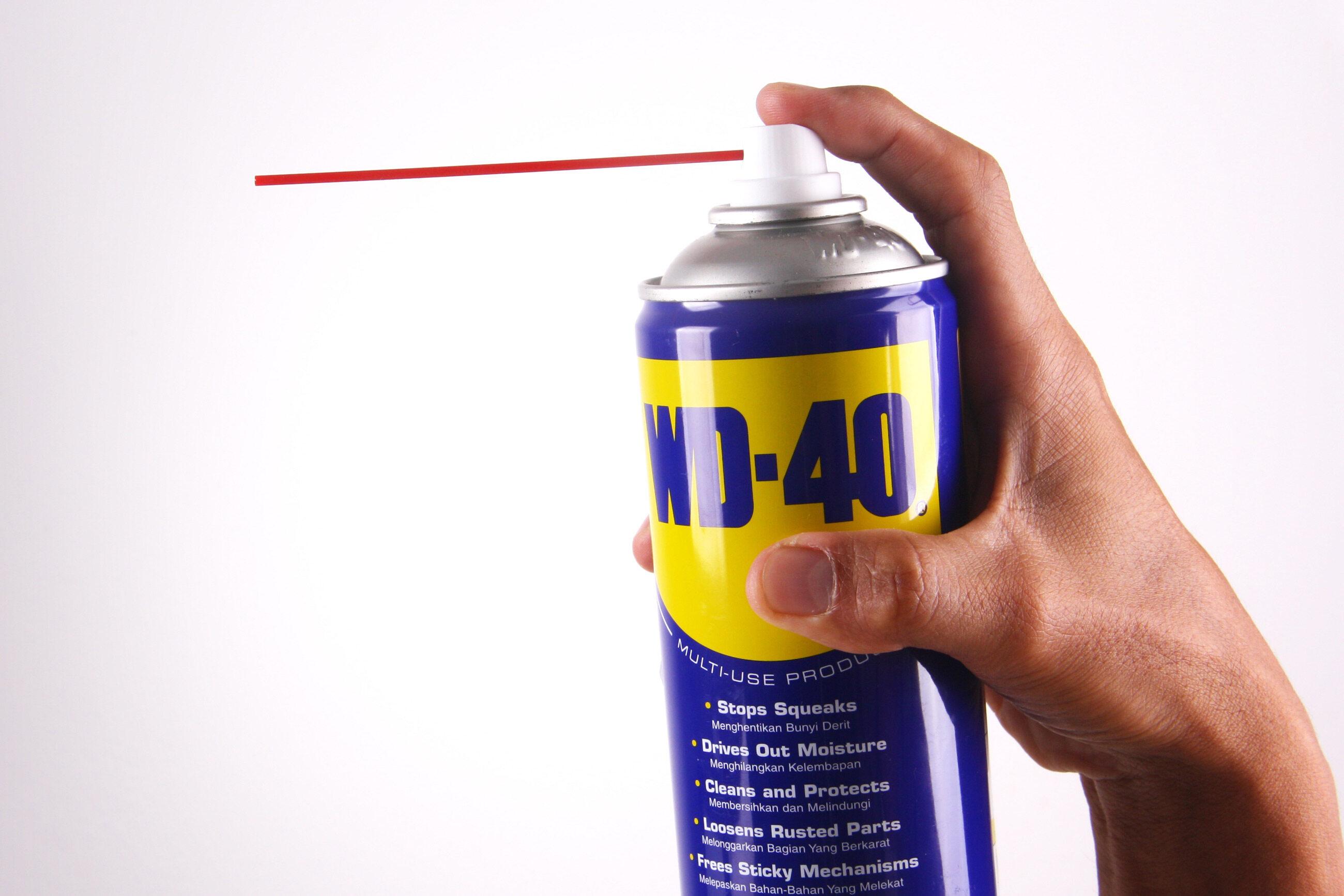 Preparat WD-40 - ilustracja