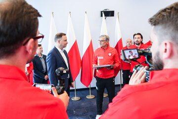 Prezydent Andrzej Duda w Juracie na spotkaniu ze sztabem i pilkarzami reprezentacji Polski