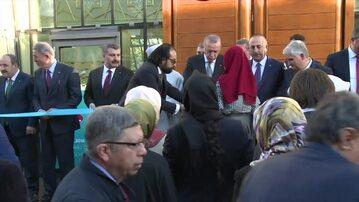 Prezydent Turcji otworzył w Kolonii największy meczet w Niemczech