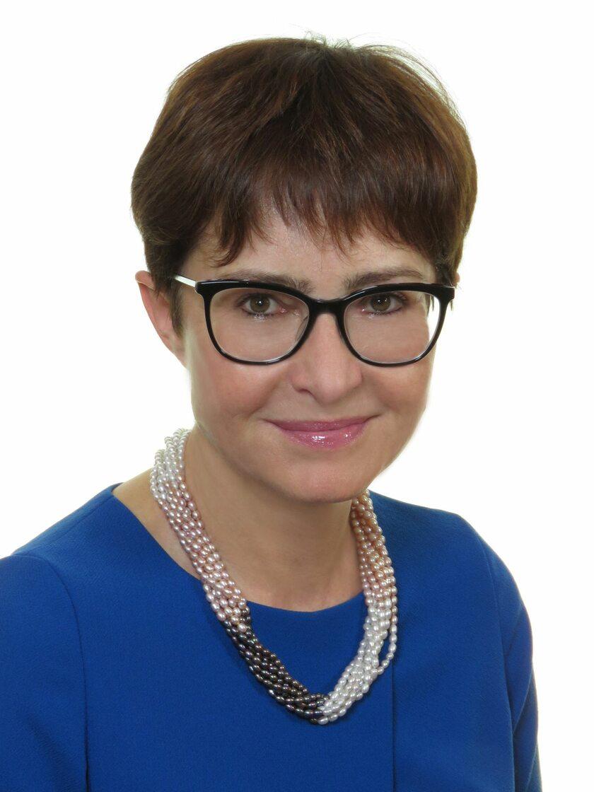 Prof. Ewa Lewicka