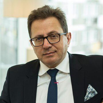 Prof. Robert Gil