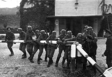 Propagandowe zdjęcie, które stało się jednym z symboli Września 1939 roku