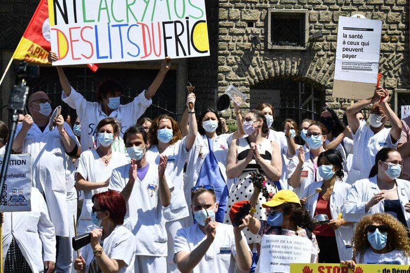 Protest medyków w Paryżu