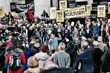 Protest #NieOddamyWamKultury