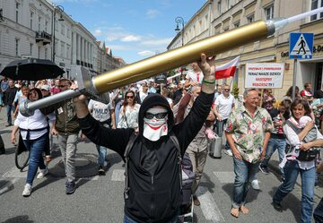 Protest przeciw przymusowi szczepień w Warszawie
