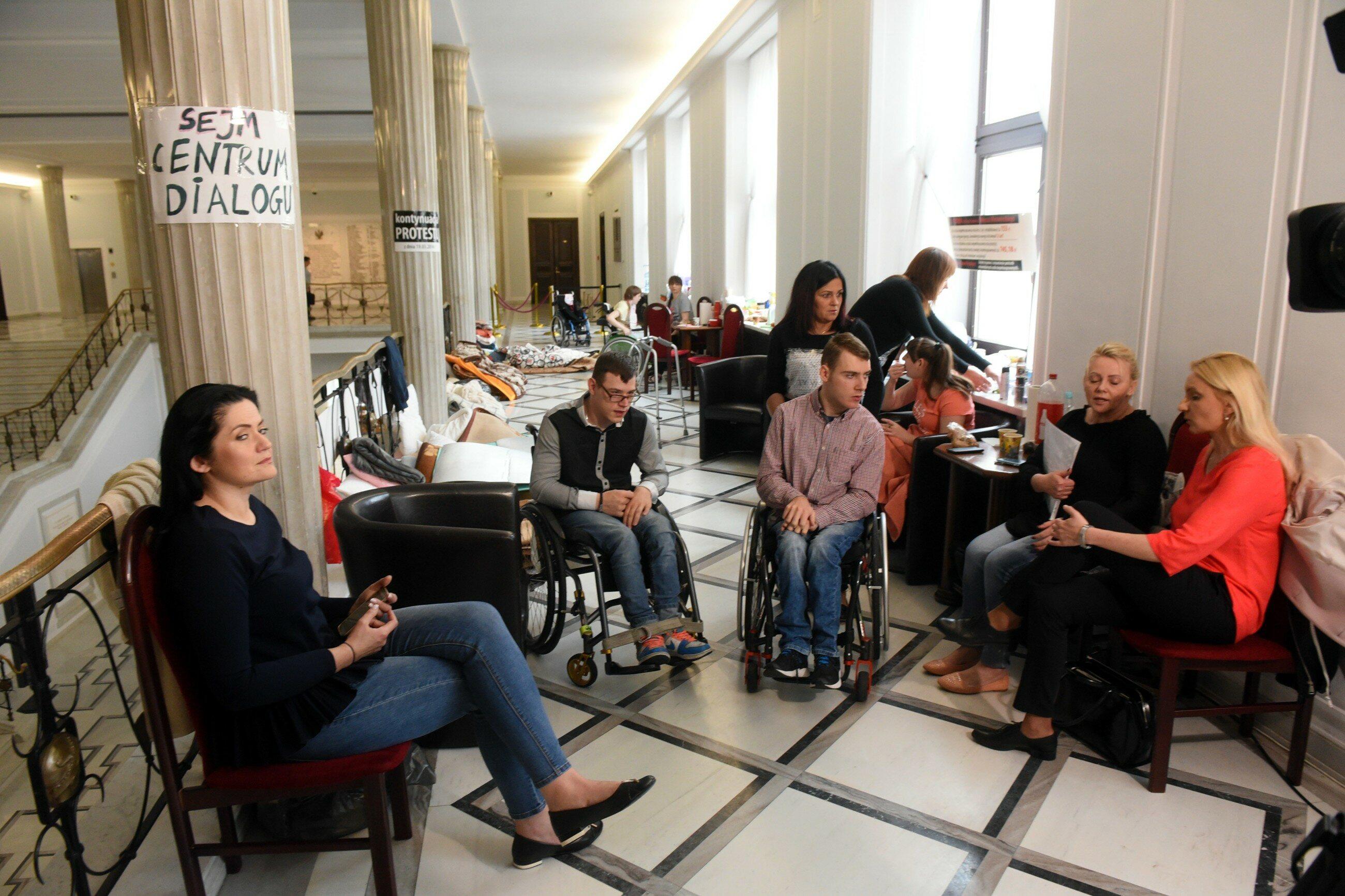 Protest rodziców w Sejmie