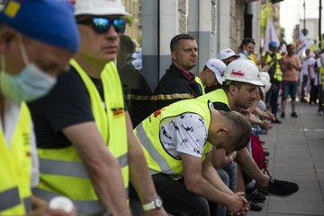 Protest związkowców z KWB Turów w Warszawie w czerwcu 2021 r.