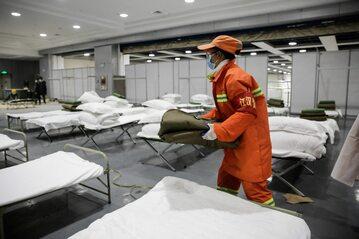 Prowizoryczny szpital dla chorych na koronawirus w Wuhan