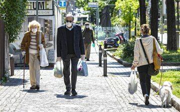 Przechodnie w Bergamo