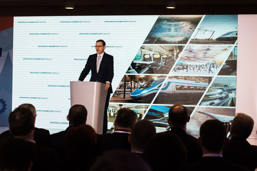Przemówienie premiera Morawieckiego rozpoczęło główną debatę drugiej edycji Kongresu Rozwoju Kolei o Centralnym Porcie Komunikacyjnym