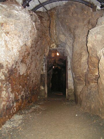 Przykładowe wnętrze średniowiecznej kopalni złota