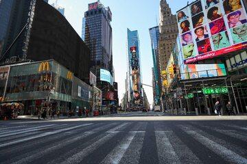 Pusty Times Square z powodu koronawirusa