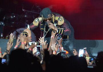 R. Kelly podczas jednego ze swoich koncertów